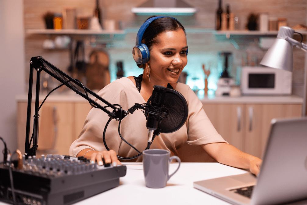 microfono usb - Donna al microfono